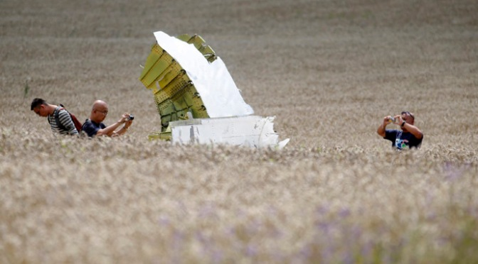 YouTube Censors Video Evidence: Flight MH17 is Flight MH370 !