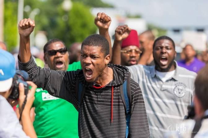 The Obamas Dance the Night Away as Ferguson, Missouri Burns