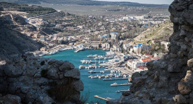 Crimea Attracts Investment; 10,000 Kiev Miners on Strike for Unpaid Wages