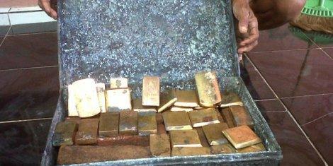 28-logam-mirip-emas-diyakini-harta-bung-karno-gegerkan-warga