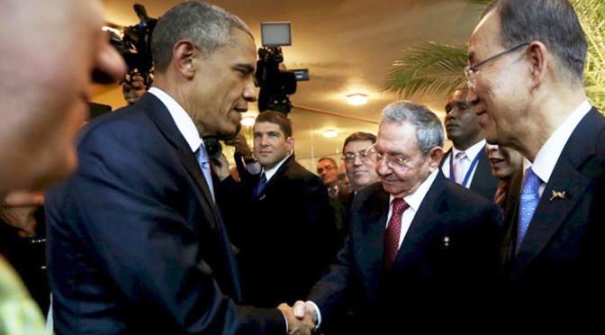 Obama-Castro Historic HandShake