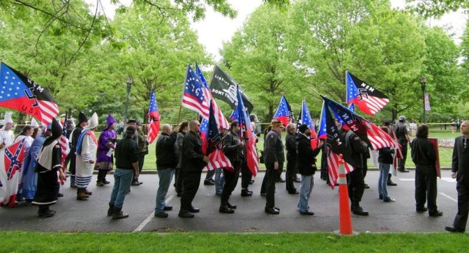 1,000 Neo-Nazi Groups Legally Operating in U.S.