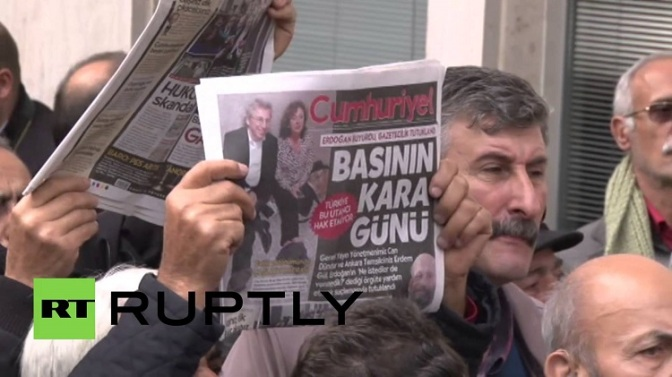 Growing Journalists' Protest Re Arrest of Cumhuriyet Editor May Lead to Erdogan's Downfall