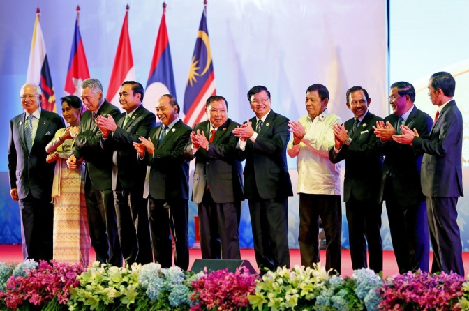 ASEAN2017 Chair Duterte Defies Western Line of Invoking UNCLOS Ruling vs. China