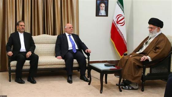 Leader of the Islamic Revolution Ayatollah Seyyed Ali Khamenei (R) receives Iraqi Prime Minister Haider al-Abadi (C) in Tehran, October 26, 2017. (Photo by khamenei.ir)