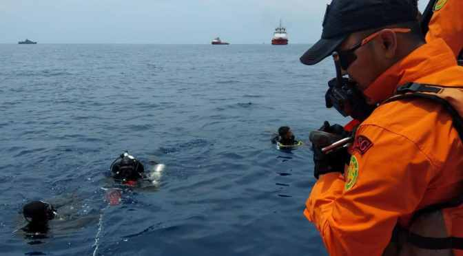 Boeing 737 Crashes in Indonesia, Sheer Bad Luck or Sabotaged? Lion-air-plane-crashed-into-the-sea